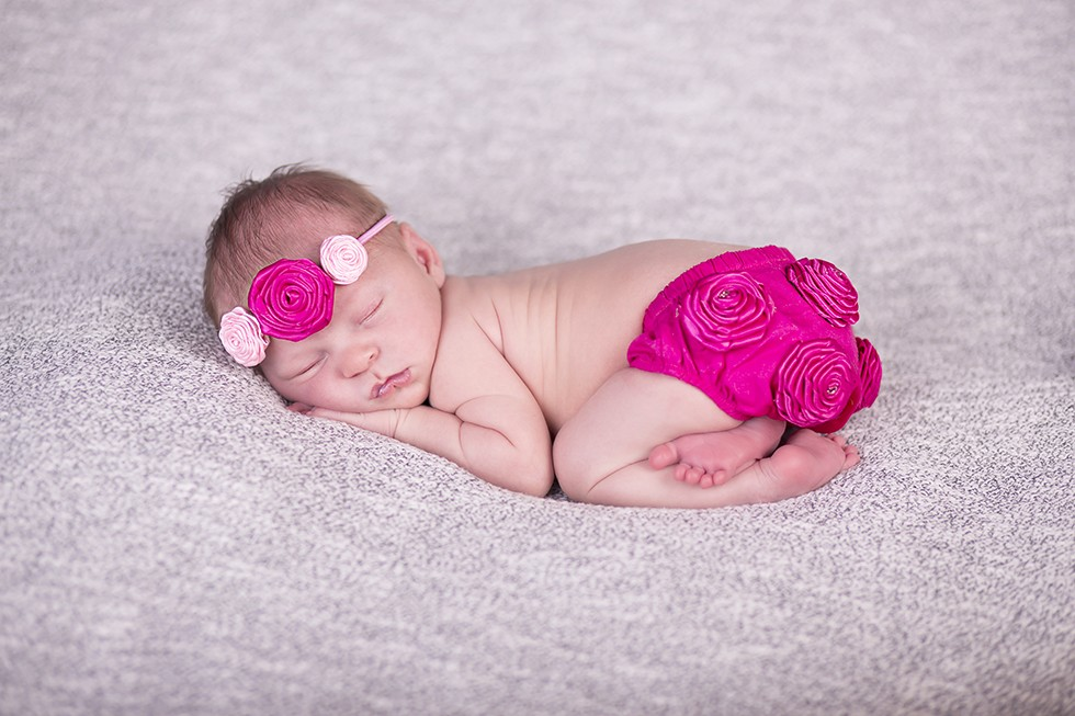cute newborn photographer